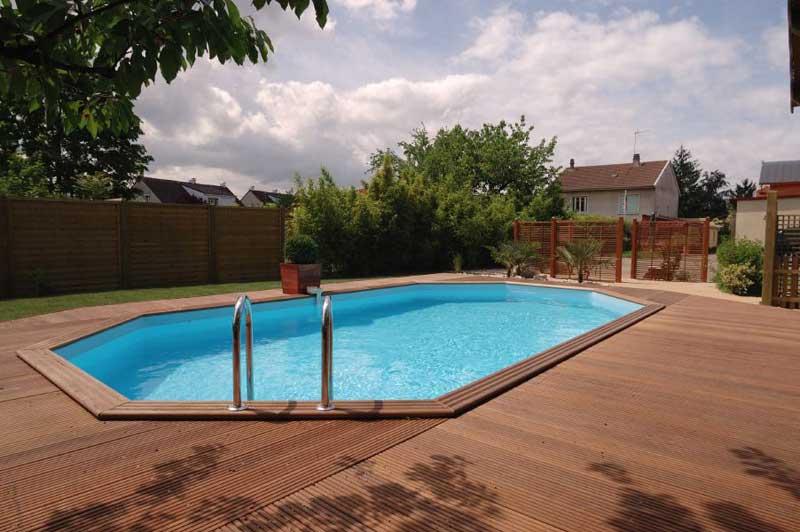 Protection piscine bois perfect petite piscine bois for Protection pour piscine enterree