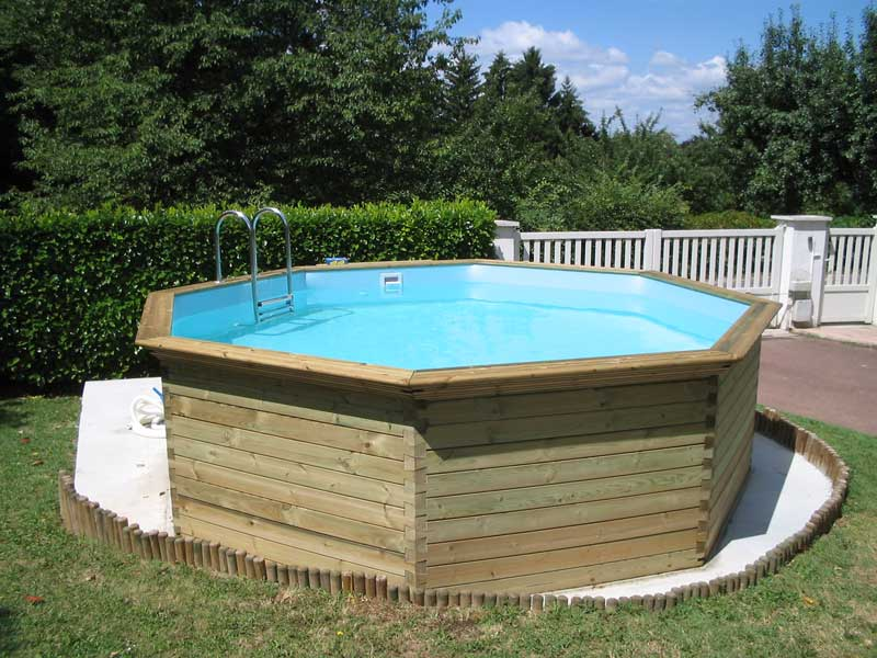 Installation de piscines en bois d cines charpieu vers for Installation piscine enterree