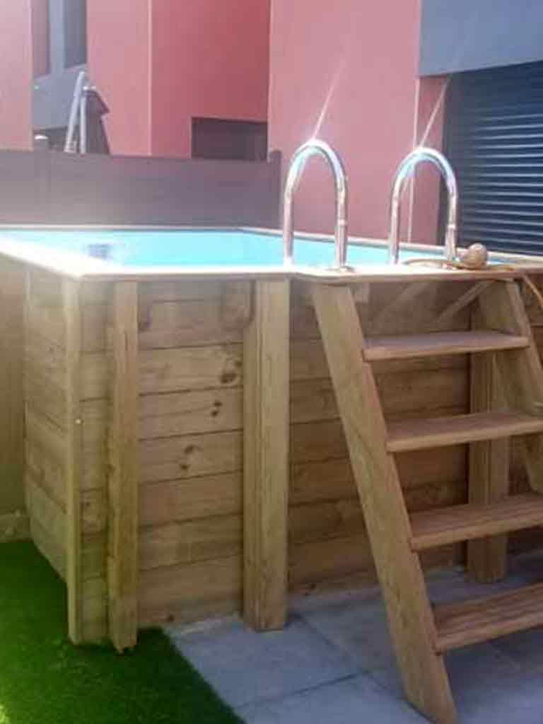 Installation de piscines en bois d cines charpieu vers - Piscine bois octogonale lyon ...